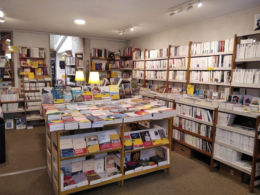 Intérieur de la librairie Le Cyprès à Nevers